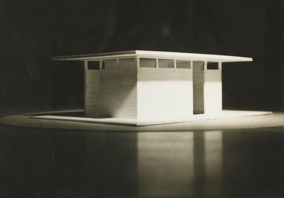 Heliodon simulating sunlight on architectural model